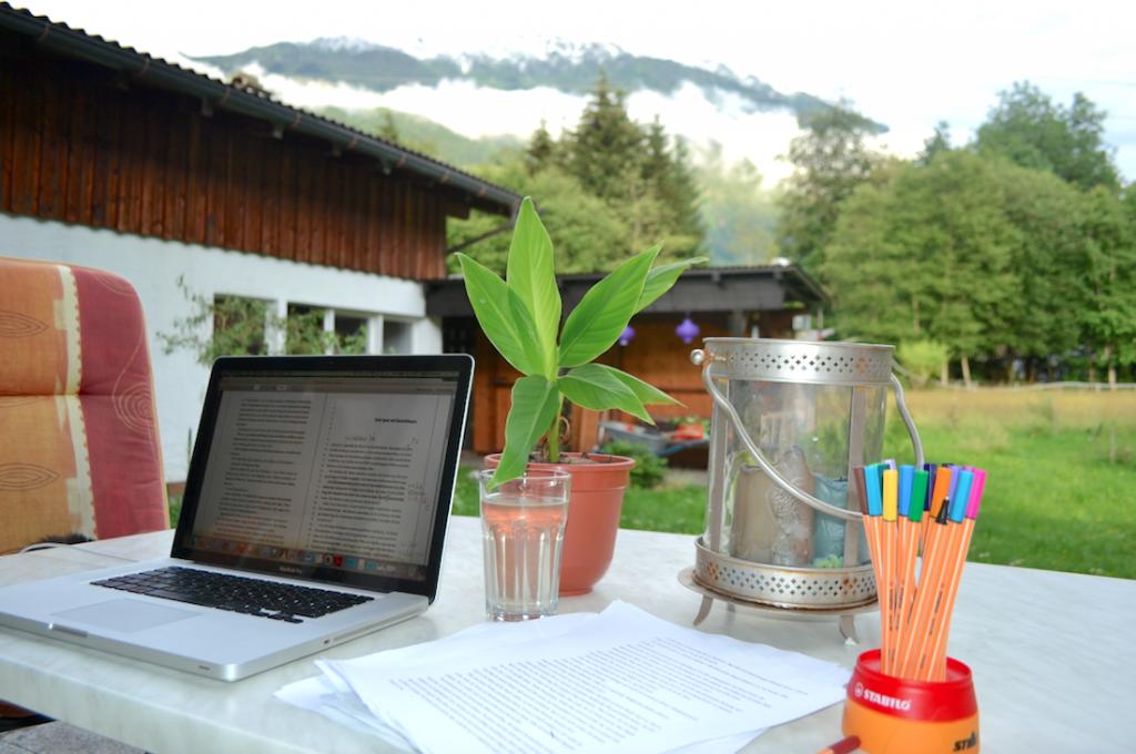Arbeitsplatz im Garten von Sabine Schoder
