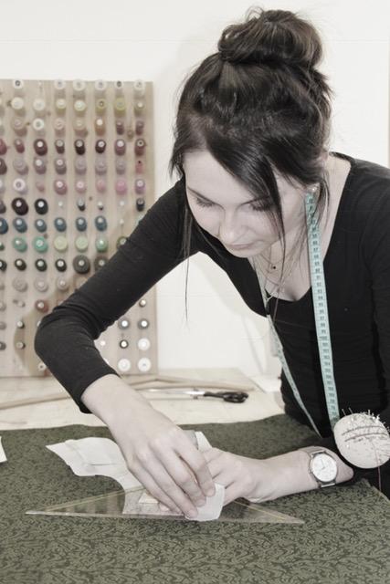 Petra Schwarzmann bei der Arbeit; Foto: ©Magdalena Türtscher