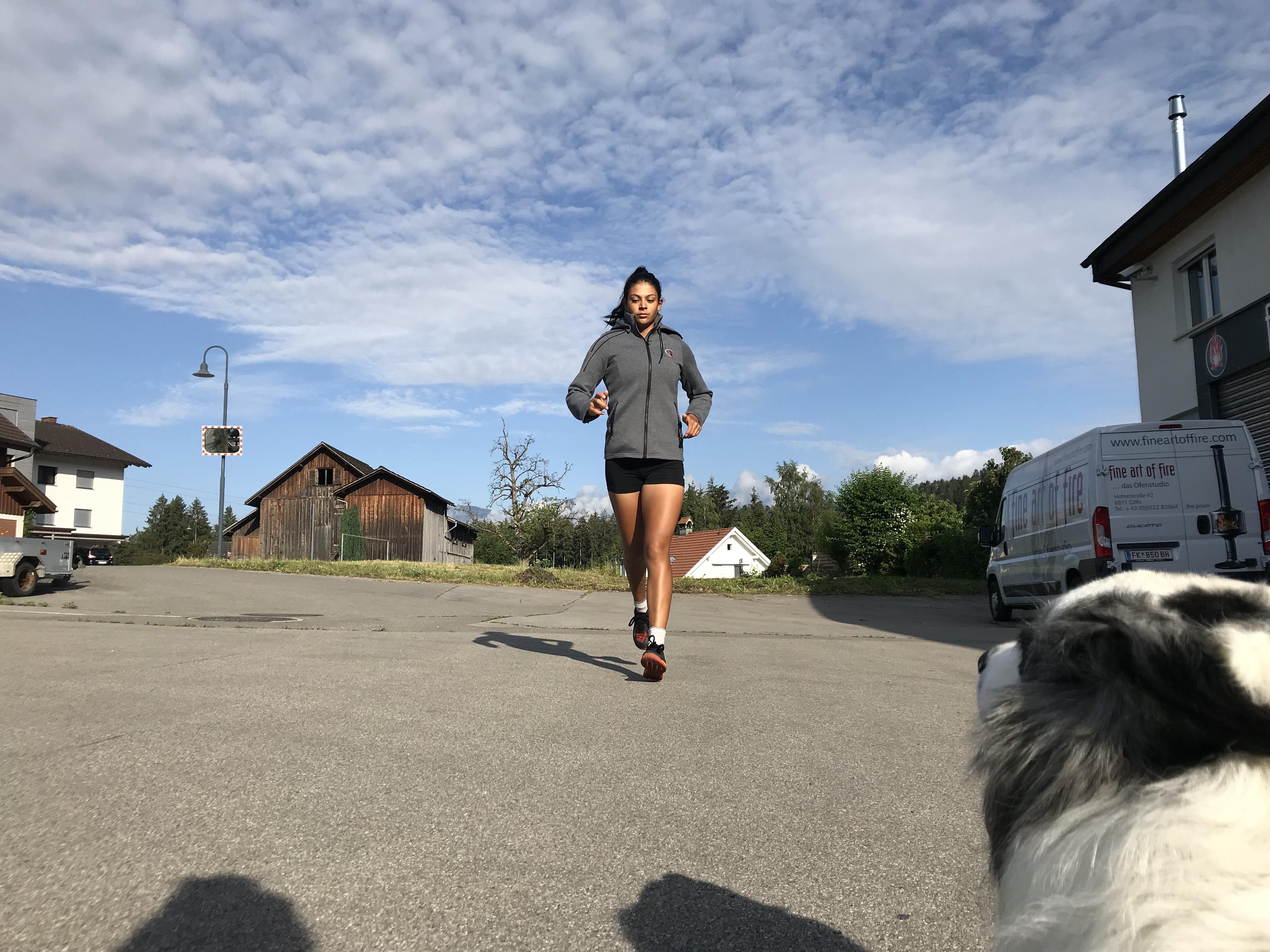 Chantal Düringer beim Aufwärmen vor dem Training; Foto: ©Chantal Düringer