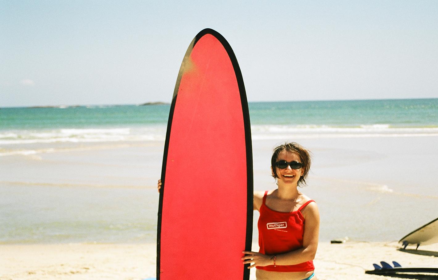 Manuela Mylonas beim Surfkurs in Australien; Foto: ©Manuela Mylonas